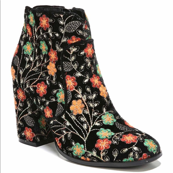 Fergie Tesla Bootie Embroidery Shoes Size 6 New